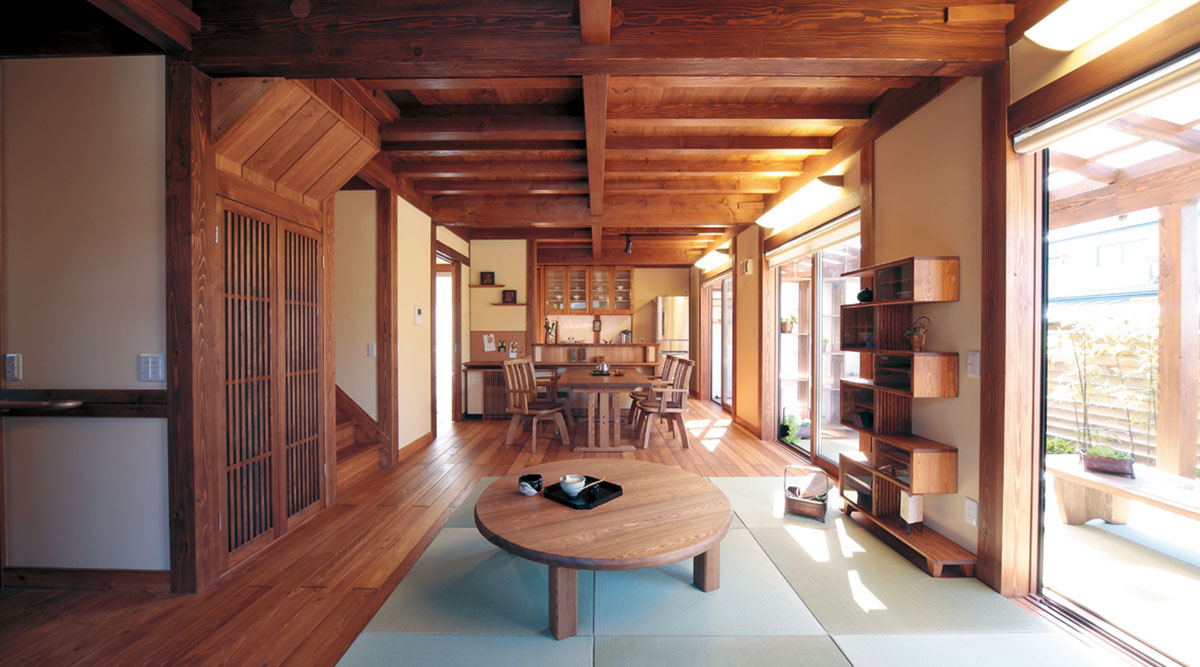 日本の伝統技術を用いながらも機能的な郷の家