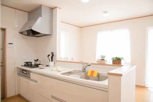 自然素材で作ったキッチンの魅力〜初めての方の自然素材キッチン〜